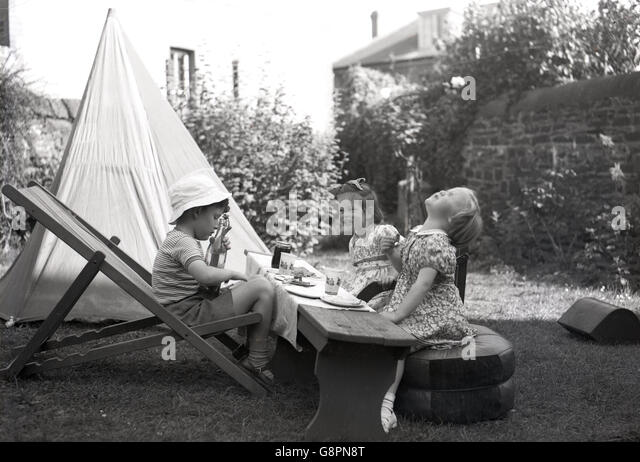 wheeled beach chair home hardware covers camping 1950s stock photos & images - alamy
