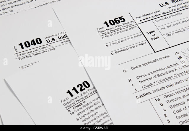 Tax Form 1040 Stock Photos & Tax Form 1040 Stock Images