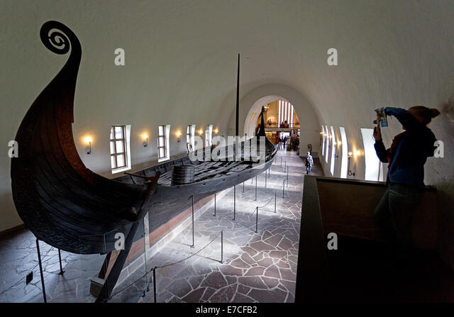 https://i0.wp.com/l7.alamy.com/zooms/68db358ed9ef47b5af4840587ef2b088/the-viking-ship-museum-in-oslo-norway-norwegian-vikingskipshuset-p-e7cfb2.jpg