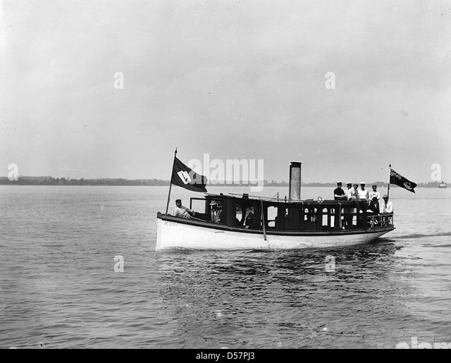 Steam Yacht Black And White Stock Photos Amp Images Alamy