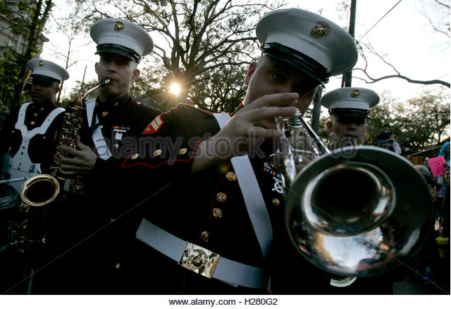 Marine Horn Player French