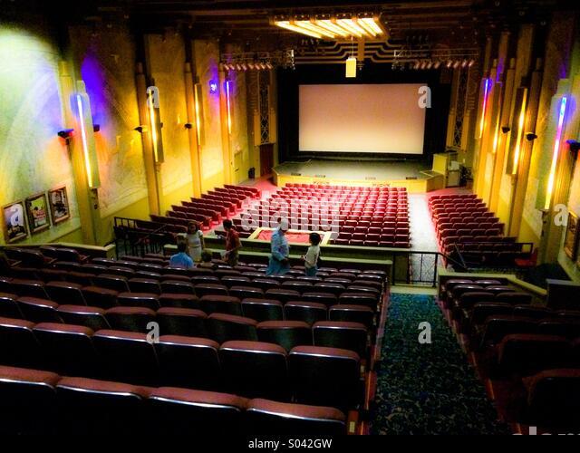 movie theatre in modesto