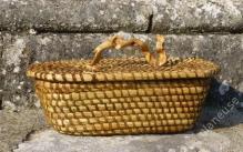 Corbeille en molinie cousue à la ronce