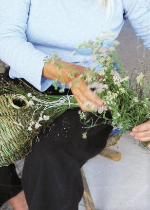 La Glaneuse : fabrication d'un nichoir en osier et jonc
