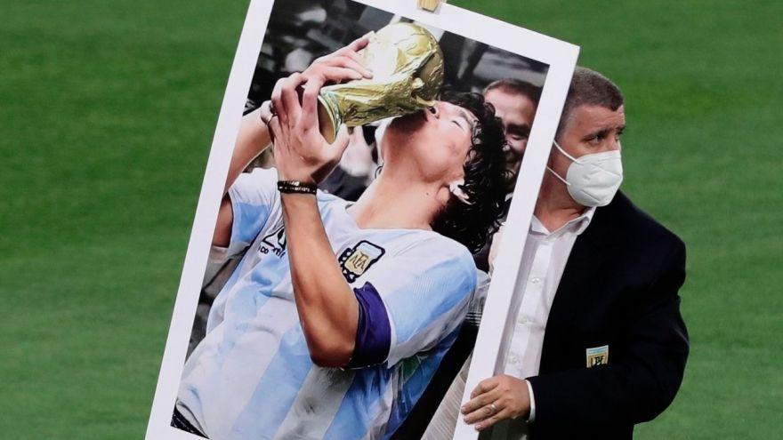 diego-armando-maradona-argentina-futbol
