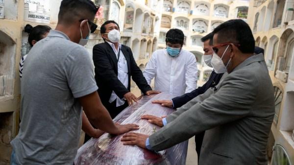 PERU muertes por Covid, coronavirus