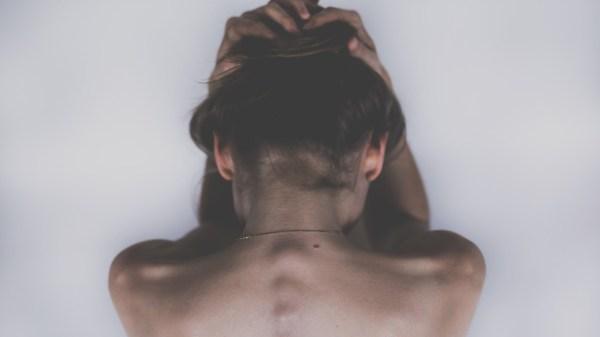 mujer-sufrimiento