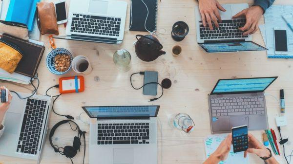 tech-computadora-empleos-desarrollo
