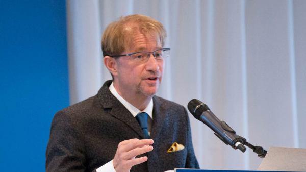 Foto de Andrés Roemer en la Unesco
