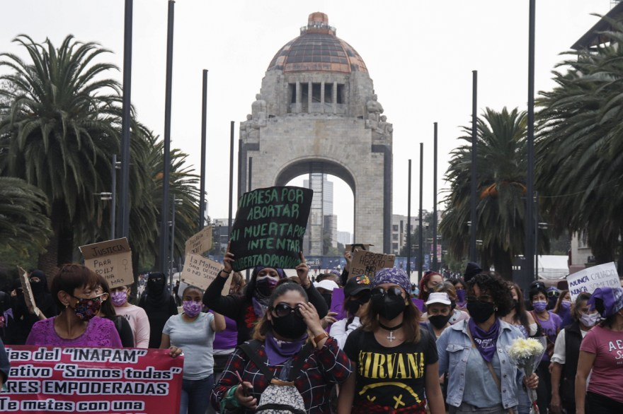 feminismo marcha cdmx polly feminicidio