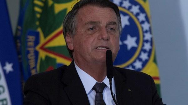 Foto de Bolsonaro quien fue hospitalizado