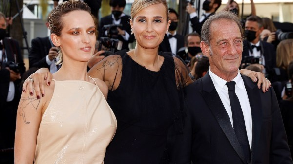 Julia Ducournau recibió la Palma de Oro en Cannes