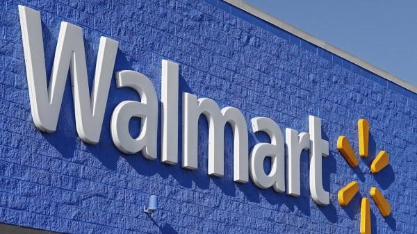 Walmart y el Inapam anuncian el regreso de sus empacadores voluntarios a sus tiendas