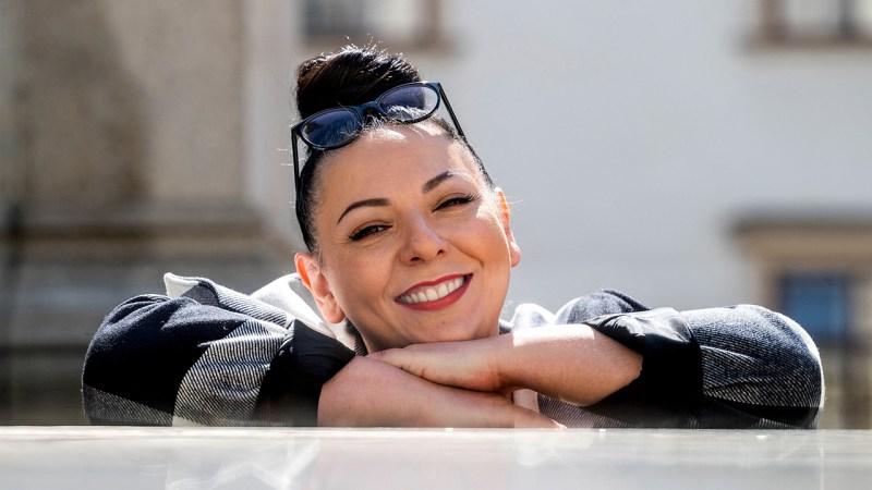 Adrineh Simonian dejó la opera para producir porno feminista