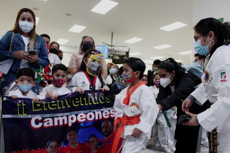 Familia espera a Juan Diego García, medalla de oro en taekwondo en los paralímpicos de Tokio 2020