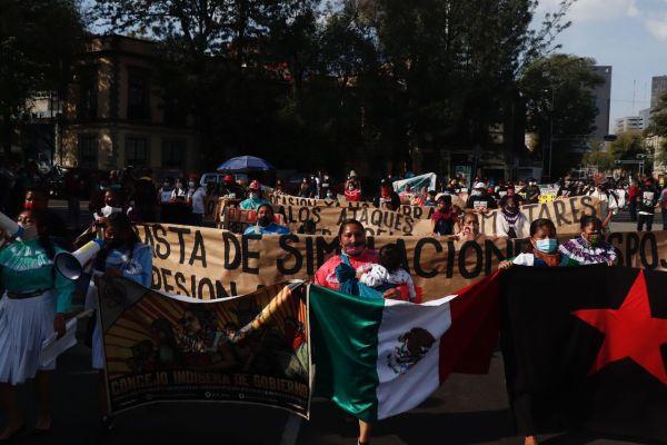 Colectivos protestan en CDMX por hostigamiento de paramilitares al EZLN