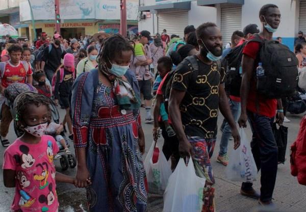 Nueva caravana de migrantes sale de Tapachula rumbo a la CDMX