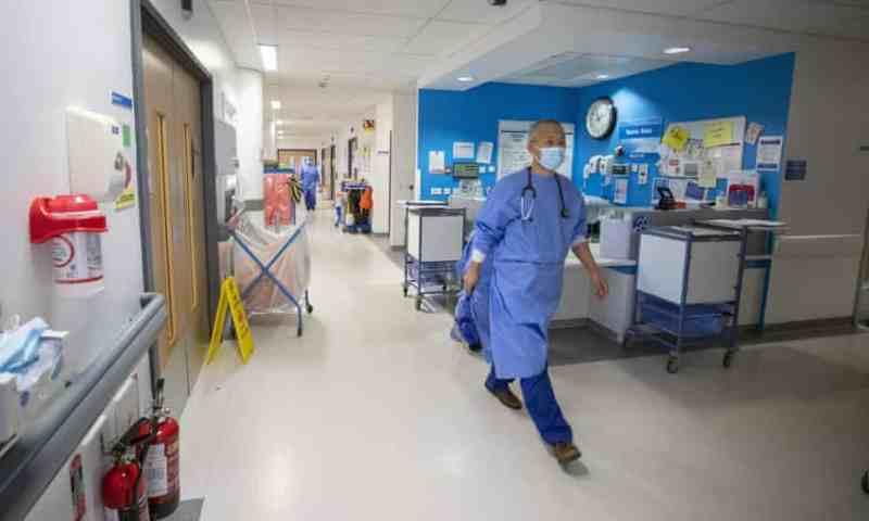 Los pacientes con cáncer en Inglaterra se enfrentan a la 'tormenta perfecta'