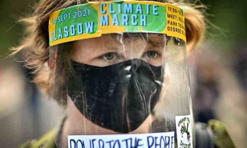 'Eco-ansiedad': el miedo a la catástrofe ambiental agobia a los jóvenes