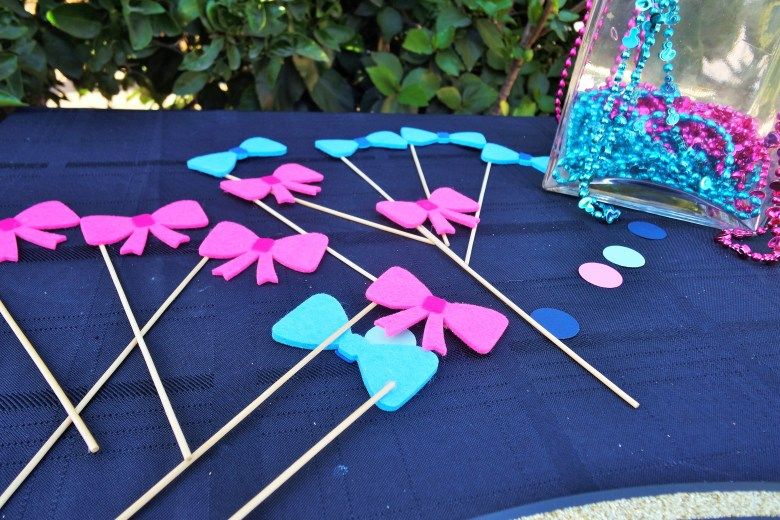 Gender Reveal Decor. Mini Bow Ties and Bows Photo Props