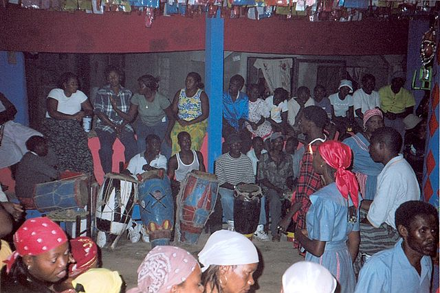 Cérémonie Vodou, Haïti, By User:Doron (Own work) [GFDL (http://www.gnu.org/copyleft/fdl.html) or CC-BY-SA-3.0 (http://creativecommons.org/licenses/by-sa/3.0/)], via Wikimedia Commons