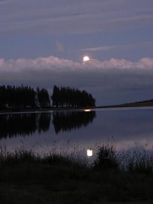 lever-lune-auvergne