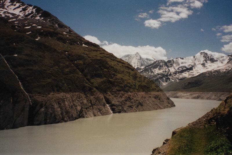 Le lac des Dix vue du barrage de la Grande Dixance