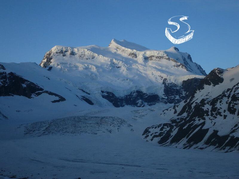 Le massif du Grand Combin avec le sommet du Combin de Valsorey