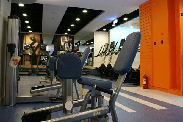 心肺運動區-設施介紹-維達都會生活俱樂部-臺南瑜珈教室-VIVA La VIDA