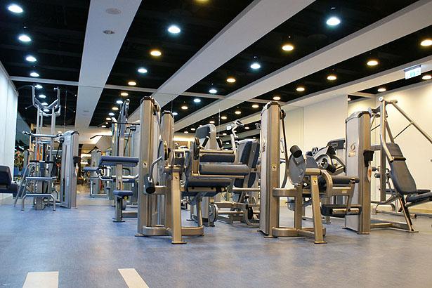 重量訓量區-設施介紹-維達都會生活俱樂部-臺南瑜珈教室-VIVA La VIDA