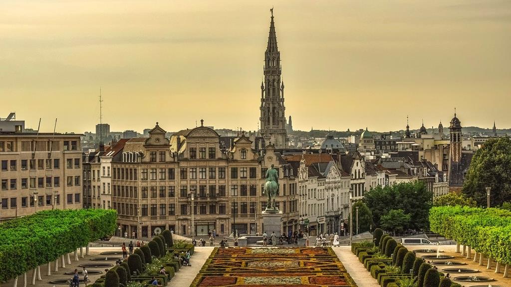 10_mots_belges_a_connaitre_couverture_Grand_Place_Bruxelles