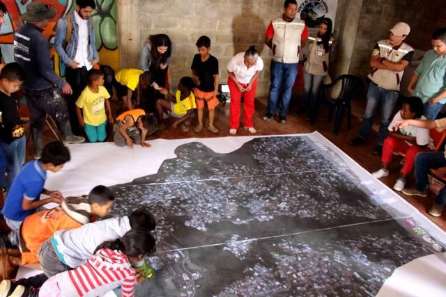 Cómo las ciudades pueden usar drones para gestionar el riesgo en barrios informales