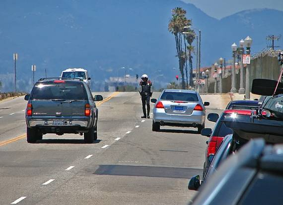 Police pull over speeders in Playa del Rey in 2007.  Photo:##http://www.flickr.com/photos/magic_man/803352108/##Magic Man/Flickr##