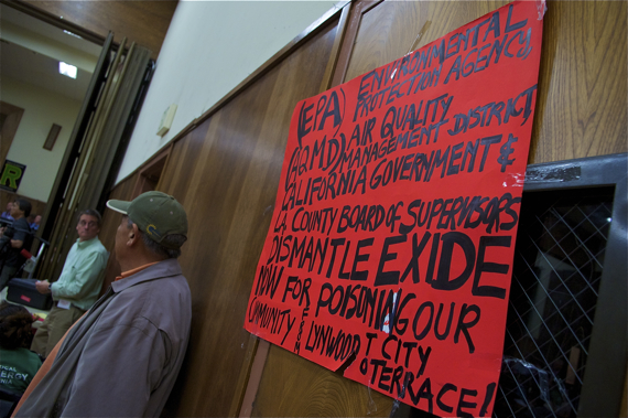 A sign calls for Exide to be shut down. Sahra Sulaiman/LA Streetsblog