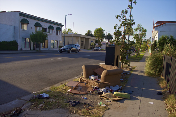 Dumping is a common occurrence along Western Ave. Sahra Sulaiman/Streetsblog L.A.