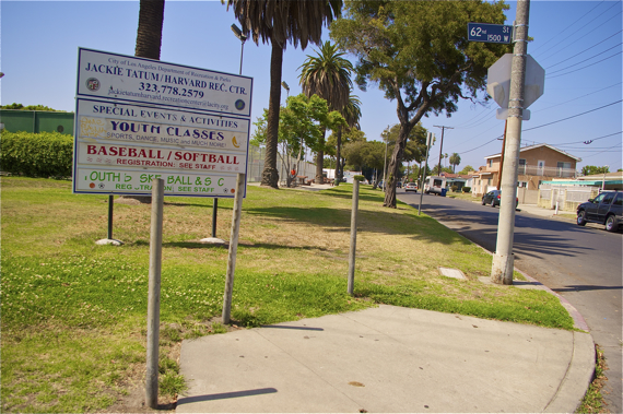South L A  Park Has Great Potential, but Lacks Sidewalks That Would