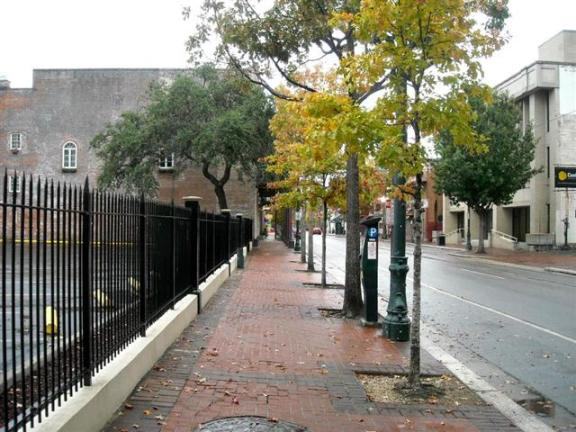 Downtown New Orleans: Classic example of pedestrian-friendly and aesthetically correct urban sidewalks. Something that City of West Hollywood completely disregards.