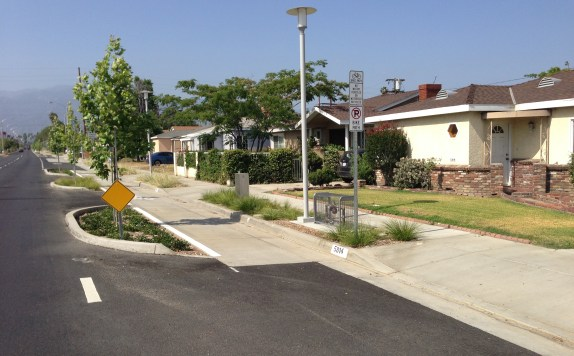 Though most of the project is commercial/retail, it does include quite a few single-family homes, with driveways.