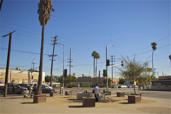 The previous configuration of the island at Avalon and Gage. Sahra Sulaiman/Streetsblog LA