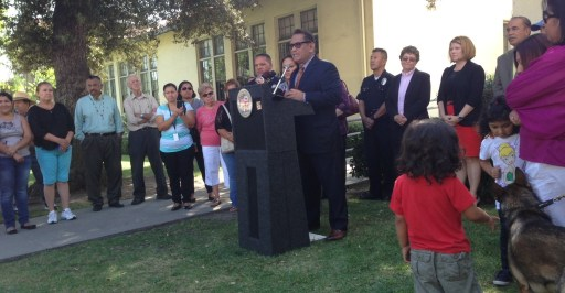 Councilmember Cedillo speaking yesterday in front of Aldama Elementary School. Photo: Joe Linton/Streetsblog L.A.