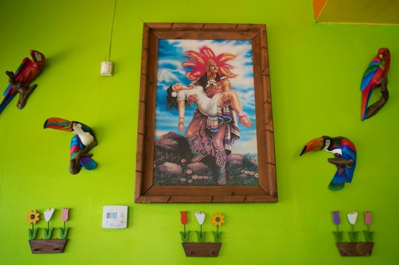 Some of the colorful decor inside Taqueria el Sol. Sahra Sulaiman/Streetsblog LA