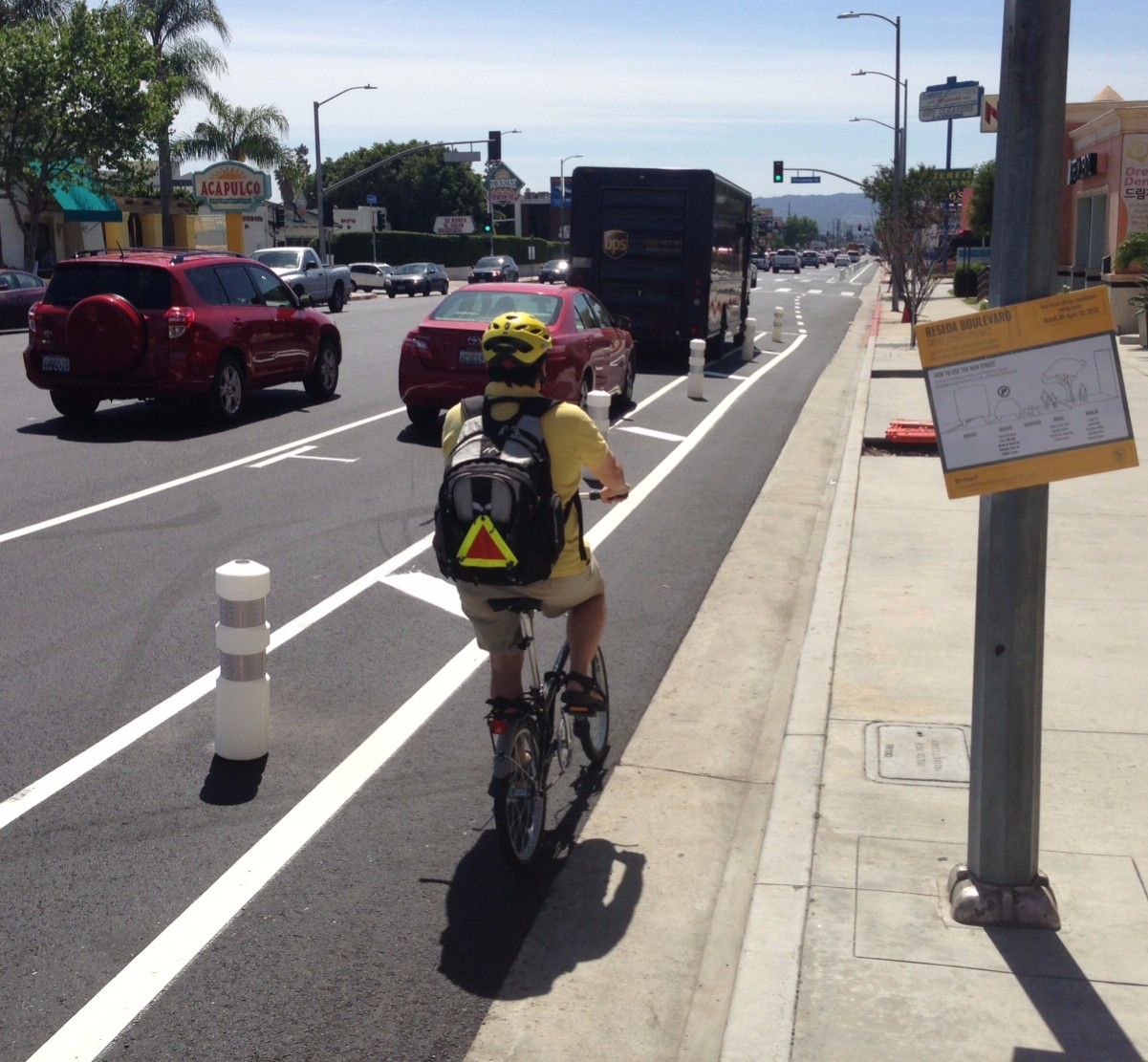 New parking-protected bike lanes on Reseda Boulevard. All photos: Joe Linton/Streetsblog L.A.