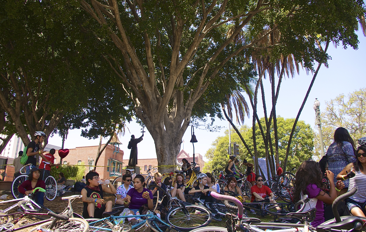 Riders gather in the shade just east of Olvera St. Sahra Sulaiman/Streetsblog L.A.