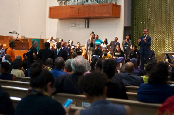 Mayor Eric Garcetti tried to pacify activists by discussing his efforts to humanize policing just before the South L.A. Town Hall was finally shut down. Sahra Sulaiman/Streetsblog L.A.