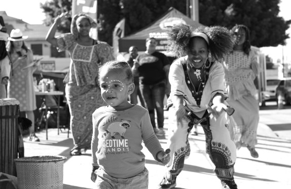 Dancing to Street Beats on the corner of Florence and Crenshaw. Sahra Sulaiman/Streetsblog L.A.