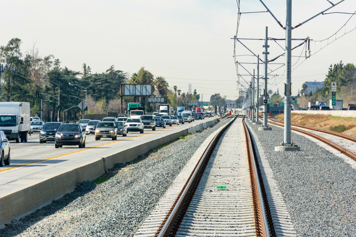 Metro Planning Upgrade To 210 Freeway/Gold Line Barrier In Pasadena