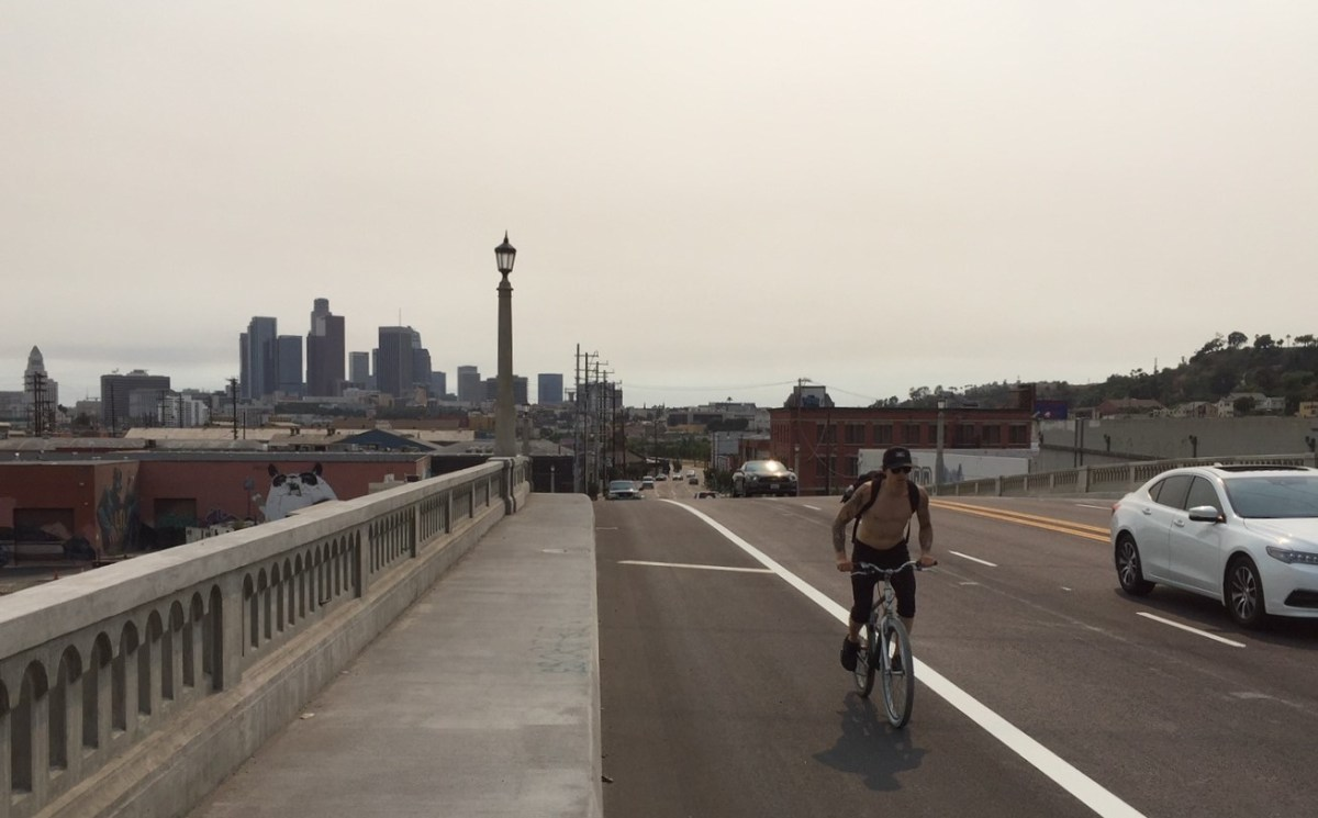 Bike Lanes Missing on Retrofitted Spring Street Bridge