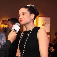 Natalia Jiménez se acerca al merengue con Omega