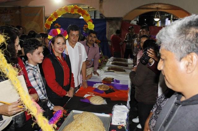 Concurso de ofrendas inicia festejos de #DíaDeMuertos en Tejupilco