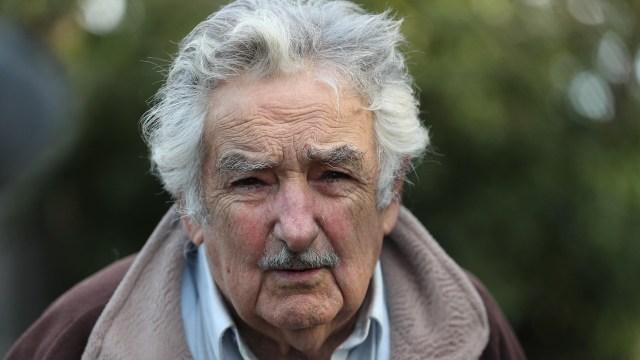 José Mujica renuncia al Senado